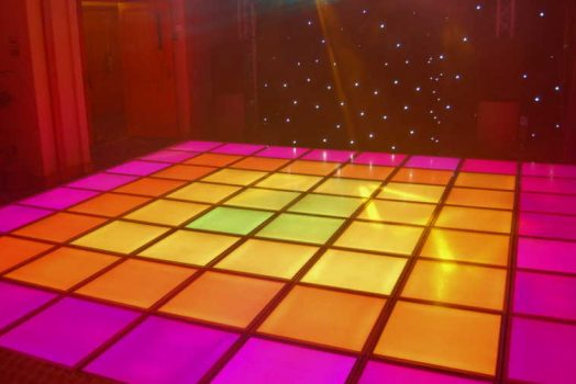 How to choose a luminous dance floor in a café?
